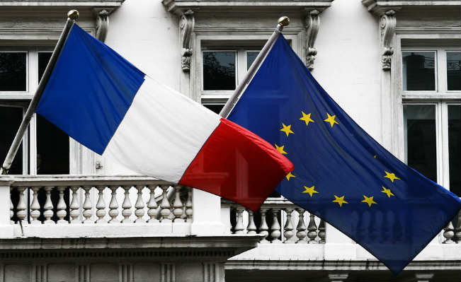 French and European Union flags. Source: Wikimedia Commons