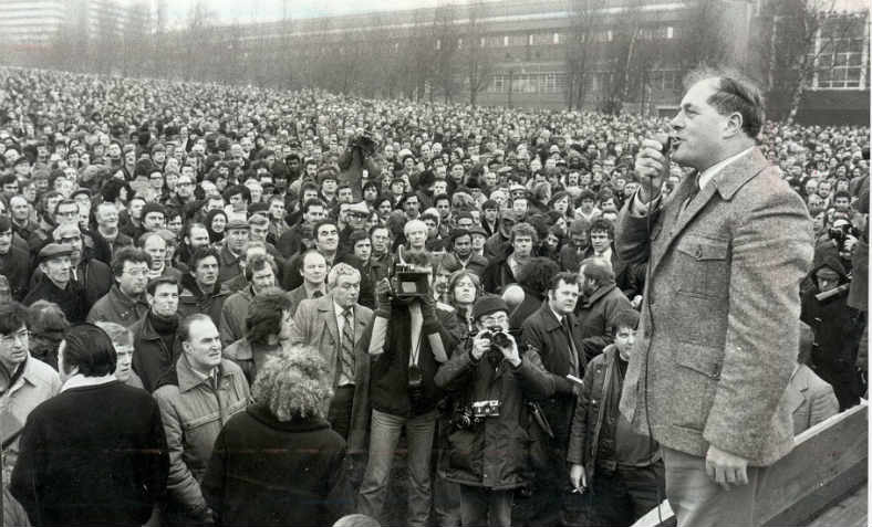 Derek Robinson speaking at Cofton Park, near the Longbridge car works in the 1970s. Photo: Facebook