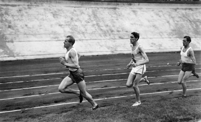 Emil Zátopek winning in the 1948 Summer Olympics, London