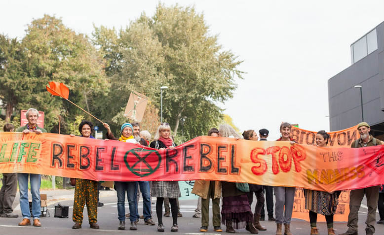 Extinction Rebellion roadblock October 2018. Photo: Ruth Davey/www.look-again.org