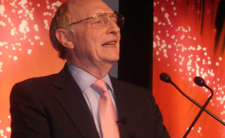 Baron 'Neil' Kinnock of Bedwellty presenting the British Council Student Awards in 2007