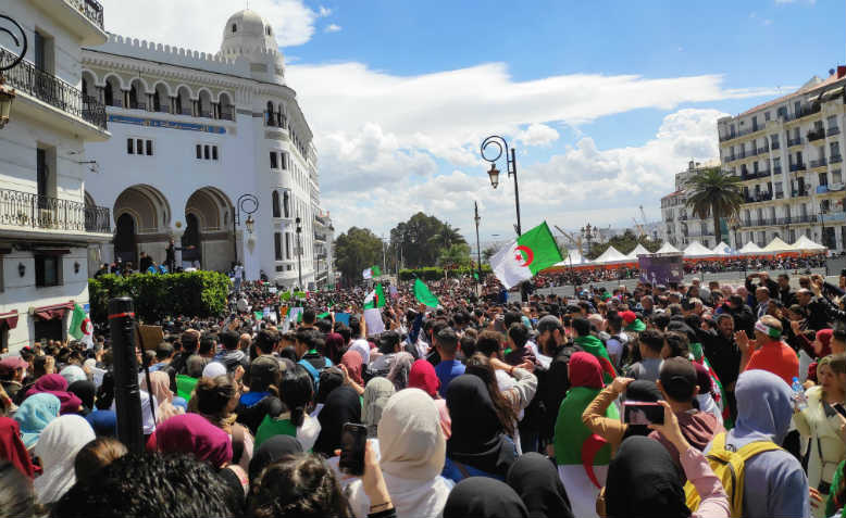 Protests in Algiers, 10 April. Photo: Facebook/Tout sur L'Algerie