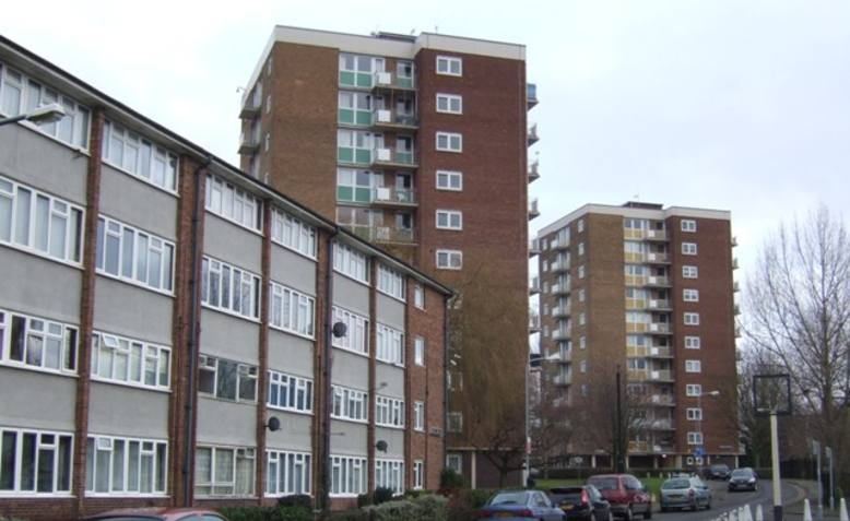 Vauxhall estate. Photo: Geograph