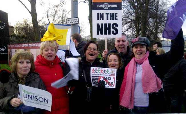 Pickets in Glasgow during N30 strike