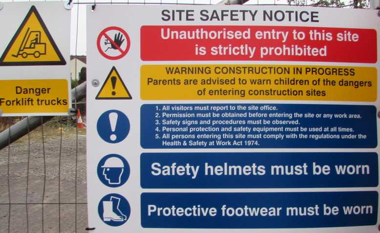 Site safety notice, Photo: Jaggery / cropped from original / licensed under CC BY-SA 2.0, linked at bottom of article