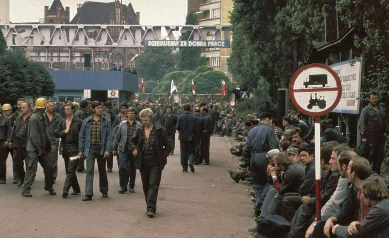 Strikers in Lenin shipyard, Gdańsk, 20 August 1980. Photo: Anefo / Nationaal Archief / Wikimedia Commons / Public Domain
