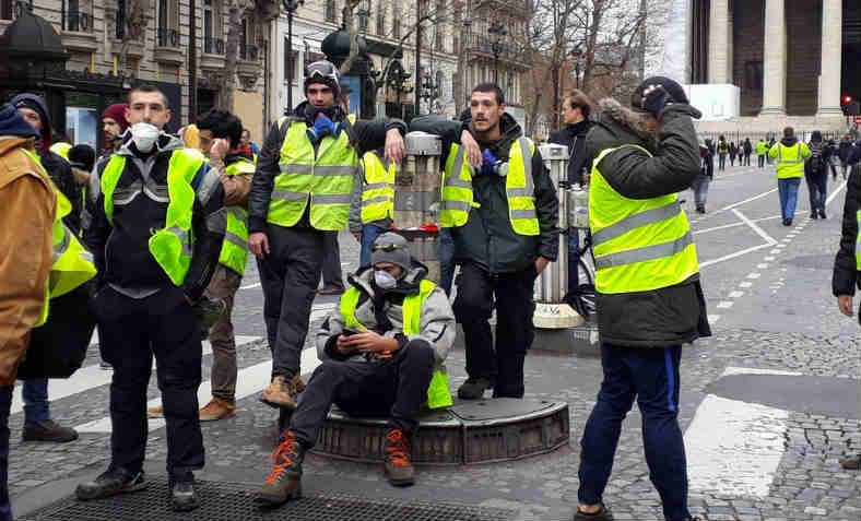 Gilets jaunes in the streets of Paris, 8 December 2018. Photo: Feyzi Ismail