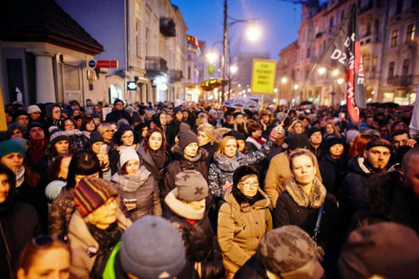poland-black-friday-lg.jpg