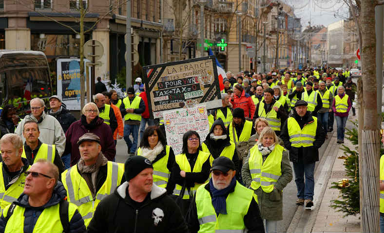 Yellow Vests protest in the northeastern city of Belfort on 1st December 2018. Photo: Thomas Bresson