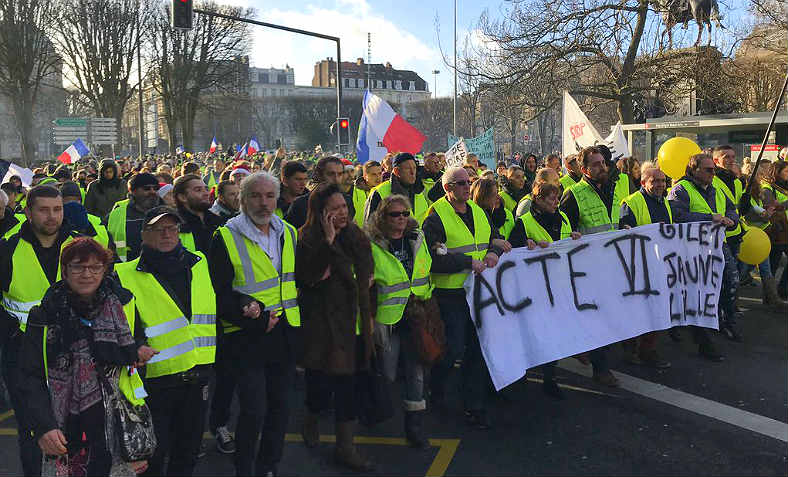 "Yellow Vests (""Gilets Jaunes"") protest in the city of Lille on Sat 22 December for 'Act VI'. Photo: Twitter/GiletsJaunes_FR"