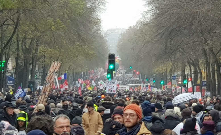 The strike begins, 5 December 2019. Photo: Twitter/CGT TUIFRANCE