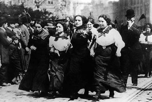 Women mill workers in the 'Bread and Rose's strike