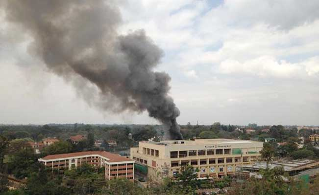 Heavy smoke rises from the Westgate Mall in Nairobi. Photo: Jerome Delay/AP