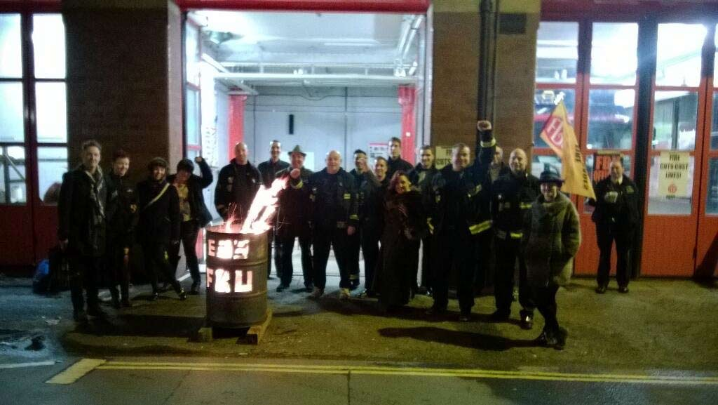 Solidarity delegation to Southwark fire station on New Year's Eve