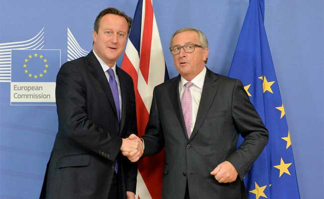 David Cameron meets with President Juncker in Brussels. Photo: Georgina Coupe