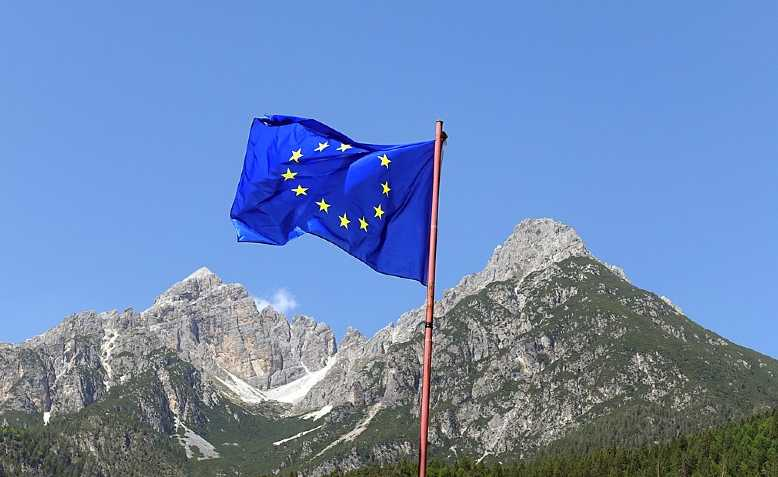 EU flag in Italy. Photo: Tiia Monte/cropped from original/licensed under CC BY-SA 3.0, linked at bottom of article
