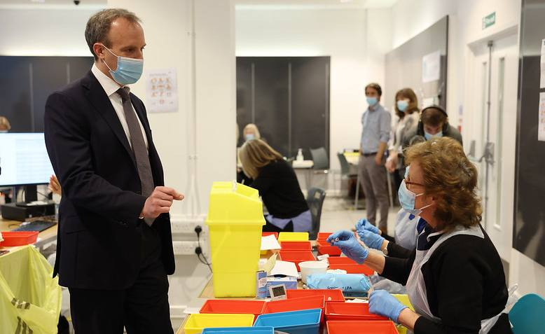 Dominic Raab at a vaccine centre