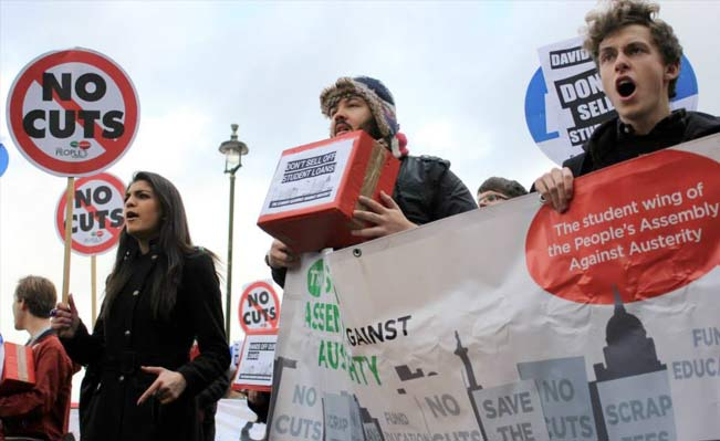 Students protest in central London. Photo by Marienna Pope-Weidemann