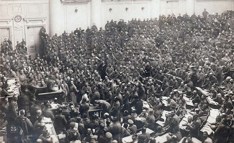 http://www.counterfire.org/images/stories/jan2016/petrograd-soviet-assembly-meeting-1917-lg.jpg