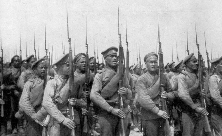 World War I Russian infantry in 1917. Source: Wikimedia