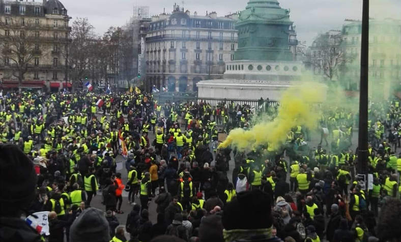 Gilets Jaunes protest at the historic revolutionary site La Bastille in central Paris on Saturday 12 January. Photo: GiletsJaunes_FR