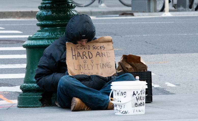 Homeless man in New York under lockdown