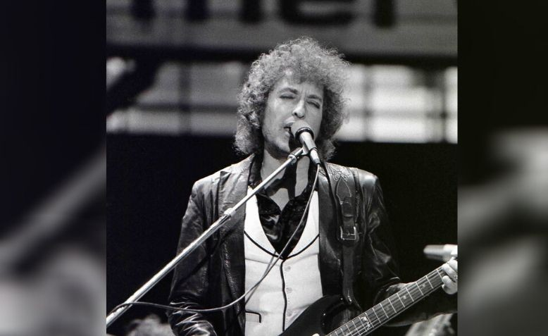 Bob Dylan performing in Rotterdam on 23rd June 1978. Source: Wikipedia