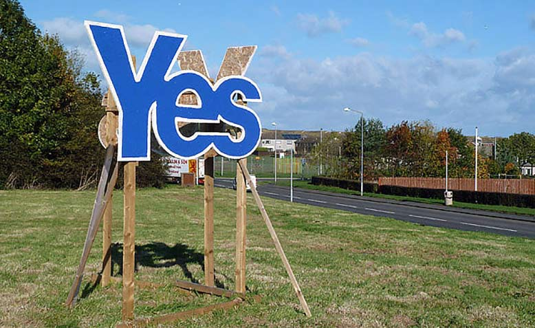 A Scottish Independence referendum campaign sign at Eyemouth. Photo: Geograph