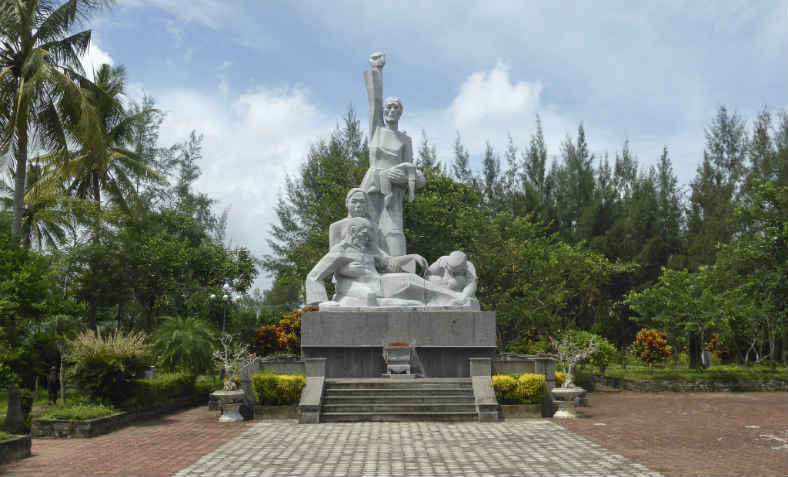 Monument of the My Lai Massacre. Photo: Wikimedia Commons
