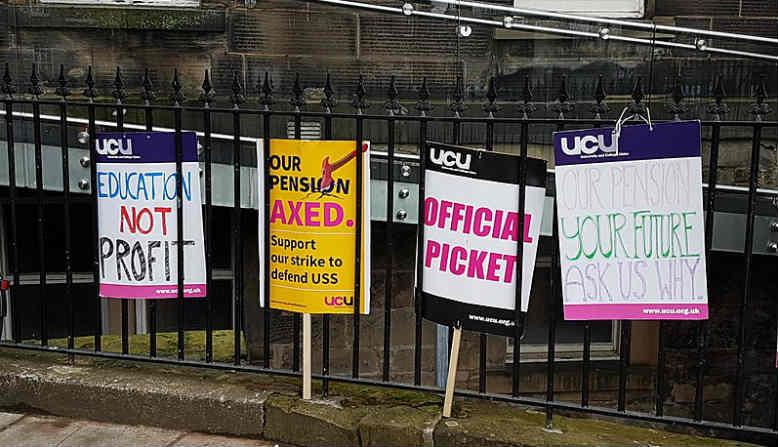 2018 UK higher education placards at the University of Edinburgh. Photo: Stinglehammer, Wikipedia.