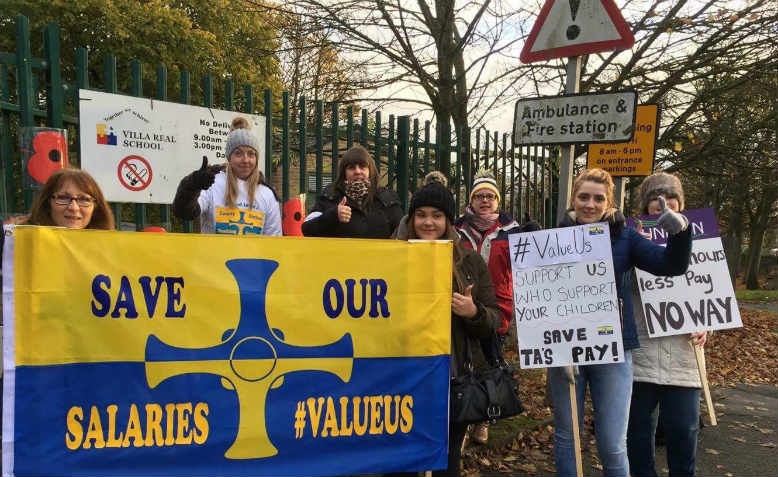 Durham Teaching Assistants preparing to picket, County Durham, November 2016. Photo: Tony Dowling