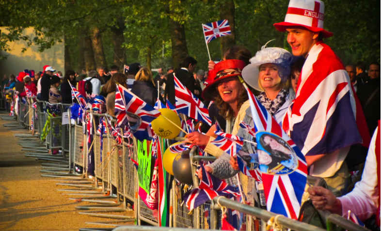 Royal Wedding crowd for William and Kate, 2011. Photo: wikimedia commons