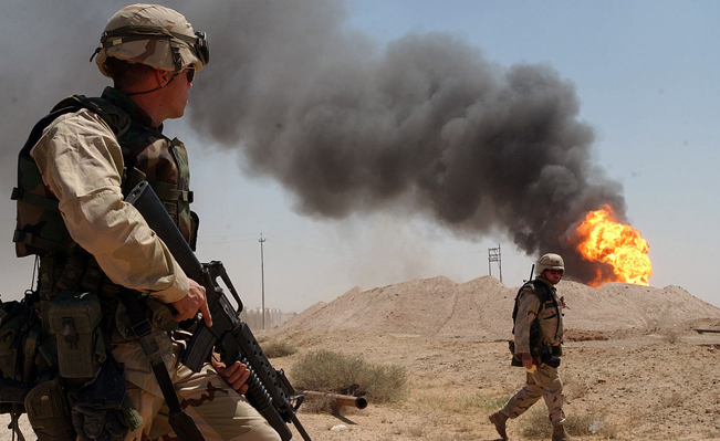 Oil well burning during the Iraq War