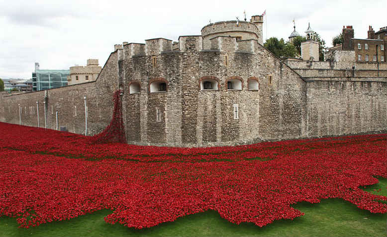 Tower of London WW1 commemoration. Photo: Wikimedia Commons