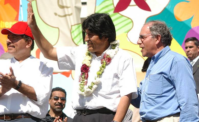 Ortega, Evo Morales and Tomás (2005). Photo: Flickr - Tomas Hirsch G. / cropped from original / licensed under CC 2.0, links at the bottom of article