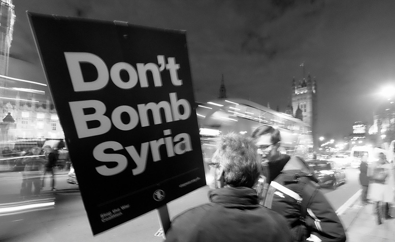 Protestors outside parliament, demonstrating oppostion to war in Syria: December 2015. Photo: Alisdare Hickson / Flickr