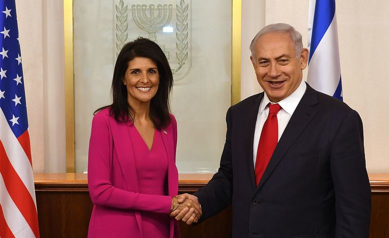 Haley shakes hands with Netanyahu