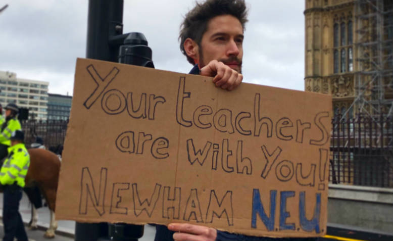 Newham NEU teacher supporting the climate strike. Photo: Shabbir Lakha