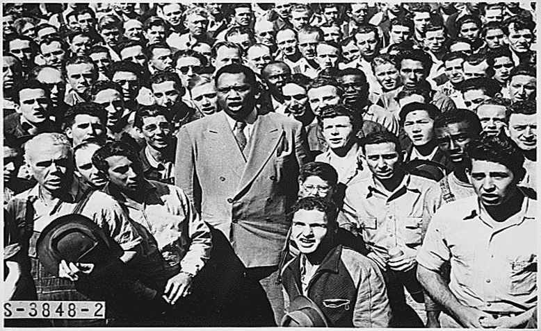 Paul Robeson, Oakland, California, 1942. Photo: the US National Archive on Flickr