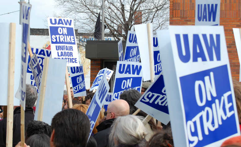 UAW strike. Photo: Flickr/Scott Dexter