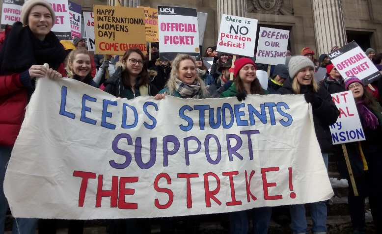 Leeds students supporting UCU strike, 2018. Photo: Alarichall / Wikimedia Commons / CC BY-SA 4.0, license linked at bottom of article