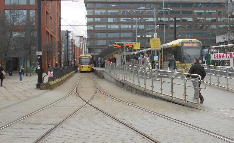 Manchester Piccadilly Gardens tram. Photo: G-13114 / Wikimedia Commons / CC BY-SA 4.0, license linked at bottom of article
