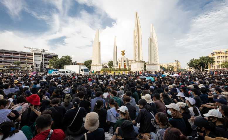 Protest at the Democracy monument, Bangkok, July 2020. Photo: Supanut Arunoprayote / Wikimedia Commons / CC BY 4.0 International, license linked at bottom of article