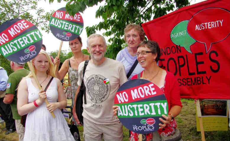 Jeremy Corbyn relaxes with activists at the Tolpuddle Martyrs Festival, Dorset, 2014. Photo: Flickr/ Hadyn