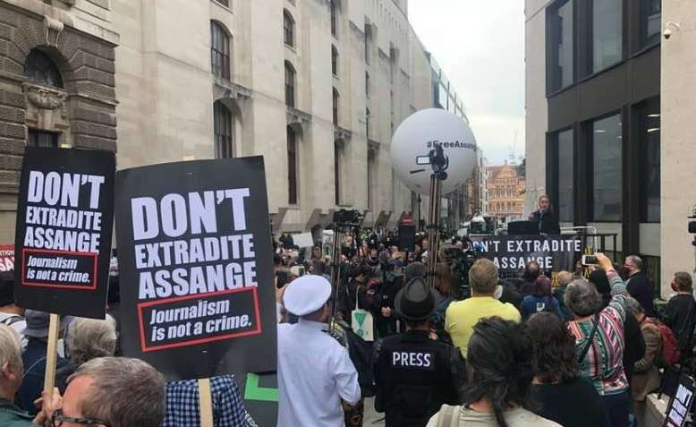 Don't Extradite Assange protest, 7 September 2020. Photo: Chris Nineham
