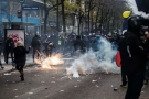 """France on strike: """"We're fighting Macron and his world!"""""""